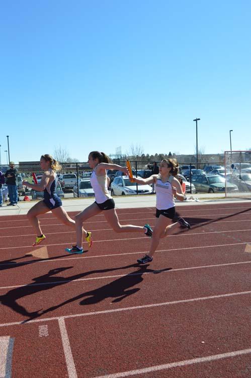 Tatiana+Cherry-Santos+hands+off+to+Danielle+Honan+in+the+4X100+relay.