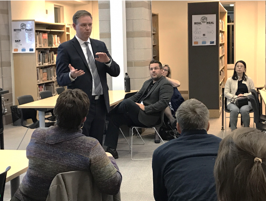 BVSD+superintendent+Dr.+Rob+Anderson+answers+questions+of+Monarch+community+members+on+Nov.+1.
