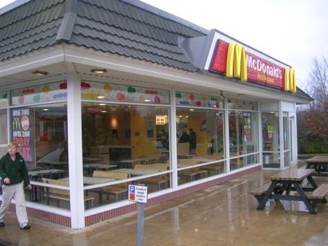 McDonald_s_Drive-Thru,_Kirkcaldy_(Main_Entrance_and_interior)_-_geograph.org.uk_-_721301