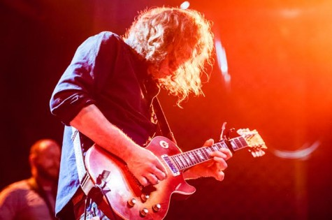 Granduciel playing his 1976 Les Paul on 10/10/14 at the Ogden Theater. Image courtesy of Daniel Page (http://www.daniel-o-page.com)